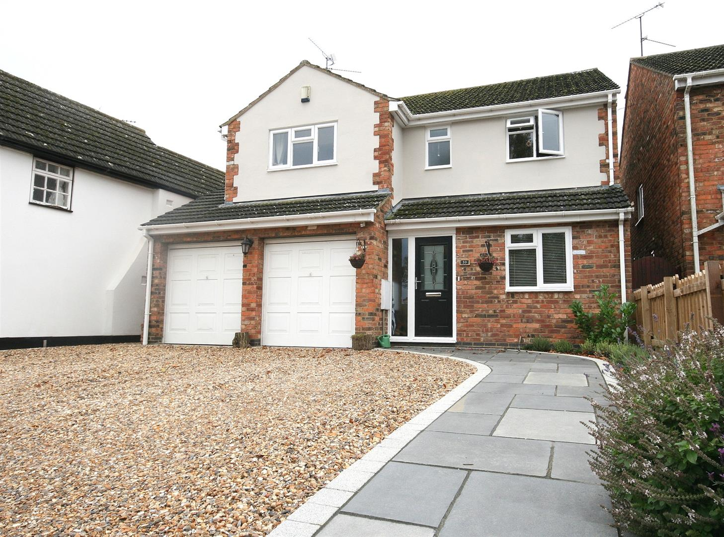 4 Bedrooms Detached House for sale in Wellhead Road, Totternhoe, Beds